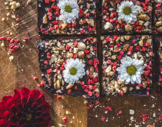 There are hundreds of healthy brownies, that are dairy and gluten free, but none of them taste like my healthy chocolate glazed brownie recipe! FACT!