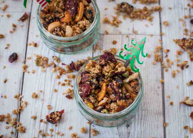 Healthy Christmas granola recipe which is easy, delicious, and perfect for feeding the family or friends during the festive season.