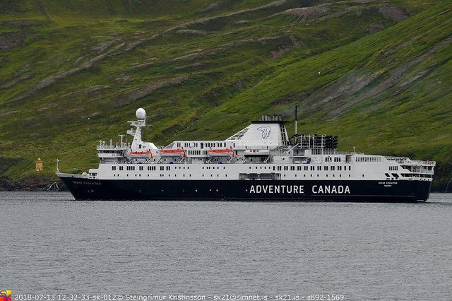 Ocean Endeavour með 300 farþega á Siglufirði