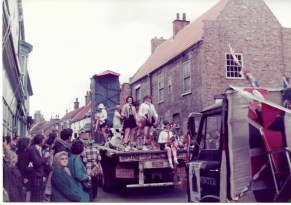 2 Silver Jubilee Parade Hedon 1977 by Tom Bond