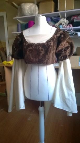 18-mccalls-6141-sewing-pattern-renassance-dress-tutorial