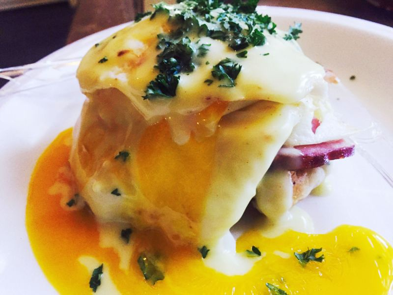 Best Miami Brunch - mad chiller - le waffle benedict