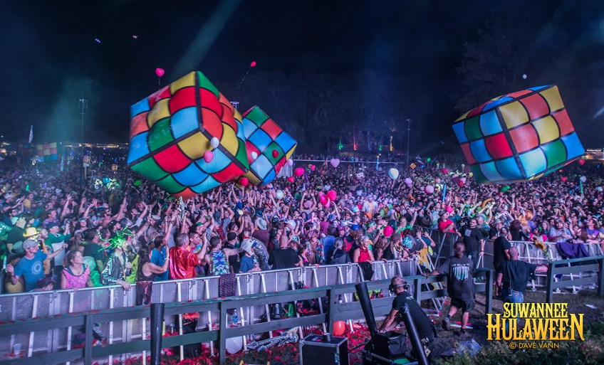 "The String Cheese Incident's ""Stringier Things"" - Hulaween Music Festival 10/29/16 - Spirit of Suwannee Music Park - Live Oak FL - Photo © Dave Vann 2016"
