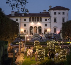 Vizcaya Mansion Night