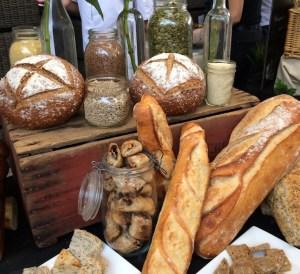 Baguette Battle bread-display