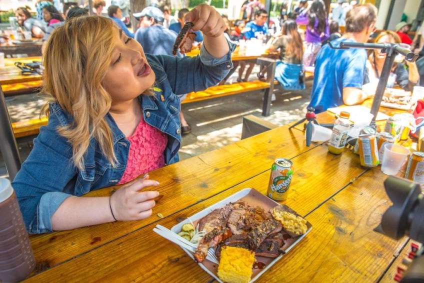 FOODBEAST Grand Central Market Ribs and Brisket Horse Thief BBQ