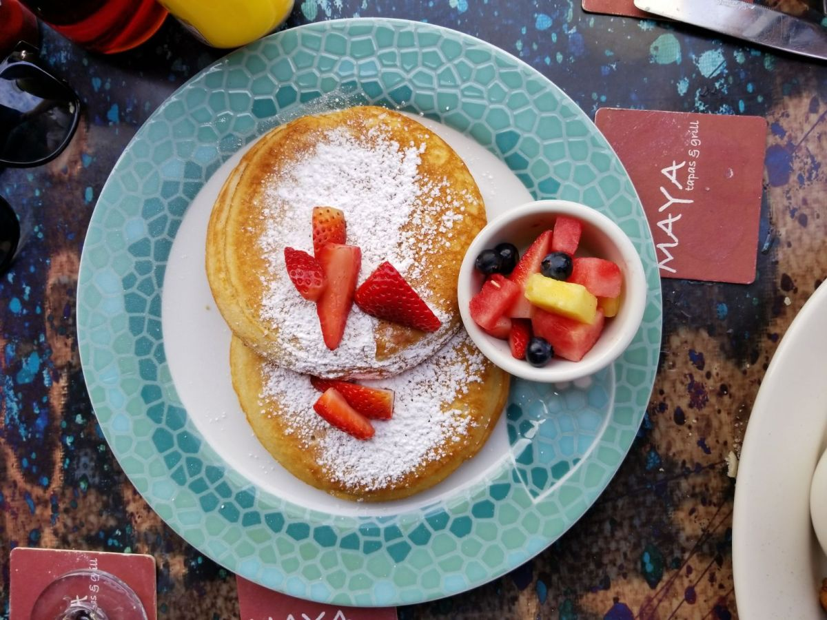 Maya's Grill Pancakes with Fruit