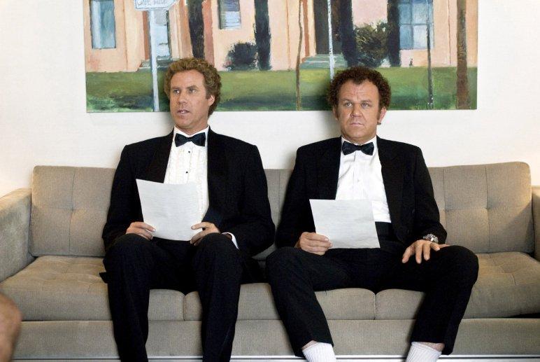 Brennan Huff (Will Ferrell) in Dale Doback (John C. Reilly) v filmu Step Brothers (Nora brata, 2008)
