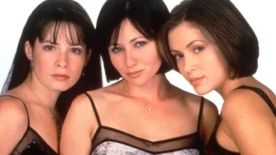 19. Prue, Phoebe in Piper (Shannen Doherty, Alyssa Milano, Holly Marie Combs)- Ćarovnice