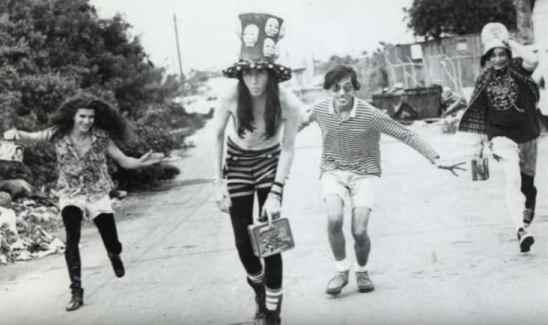 Z bendom je začel leta 1989, imenoval pa se je Marilyn Manson & The Spooky Kids.