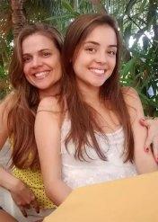 Neverjetno! Katera je mama in katera je hči?