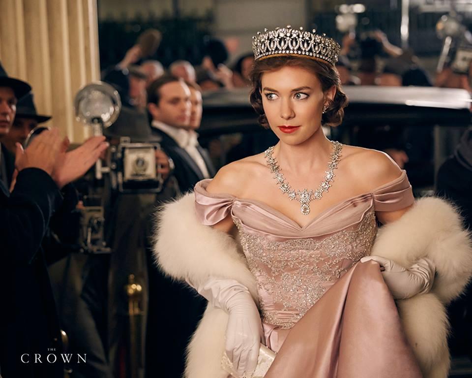1. Krona (The Crown, 2016–)