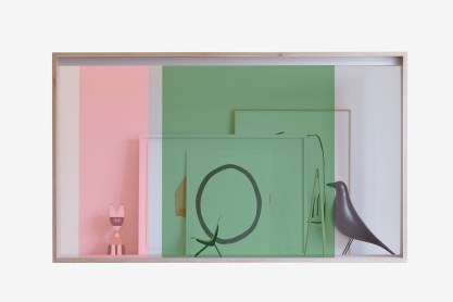 panasonic-vitrine-transparent-oled-display-0-hero