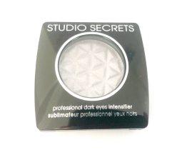 L'Oreal Studio Secrets Eyeshadow 670 Dark Eyes, Grey Eye Colour