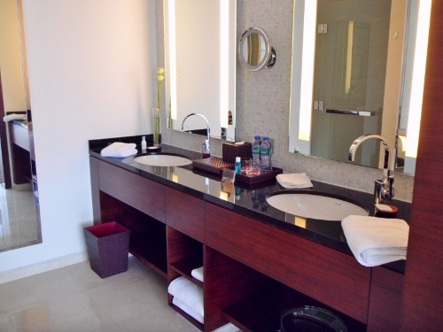 Grand Hyatt Macau Twin Suite Bathroom