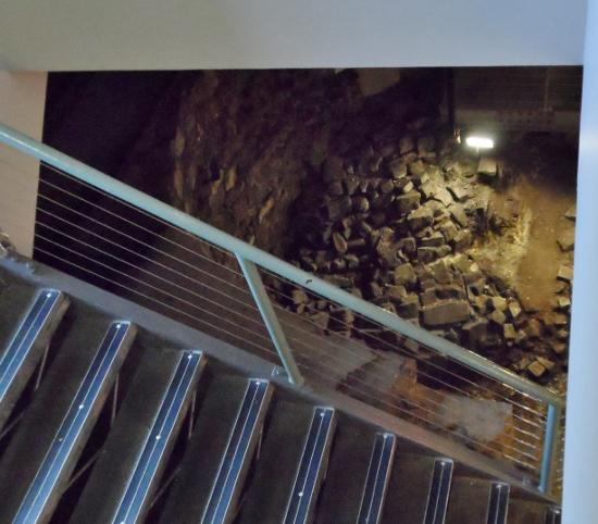 Dublin Castle Medieval Undercroft descent (1)