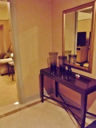 Le Meridien Kuala Lumpur Club Suite Foyer