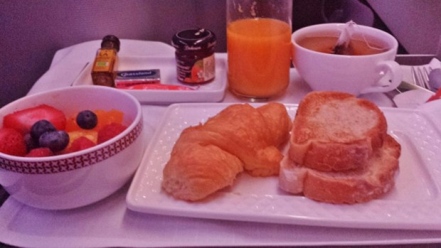 Iberia business class breakfast jfk-mad