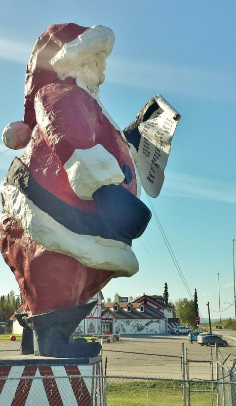 Santa Claus House North Pole Alaska statue