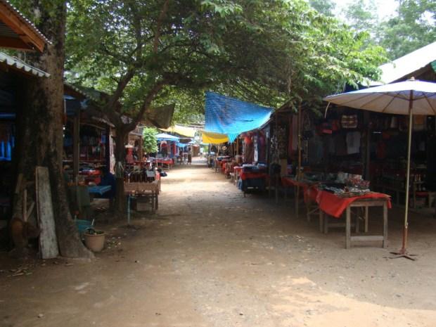 Chiang Rai Golden Triangle Tour laotian village
