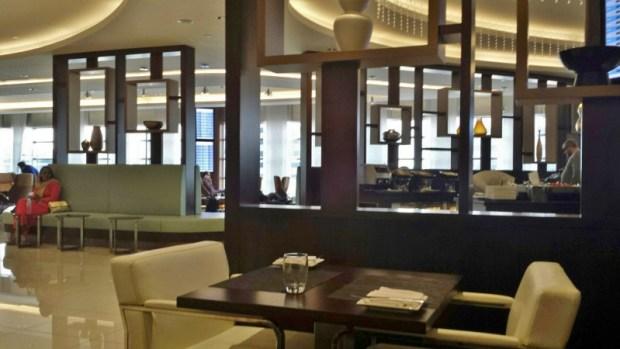 etihad premium lounge abu dhabi terminal 3 dining area