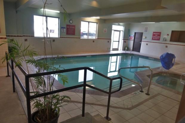 Four Points Portland East pool