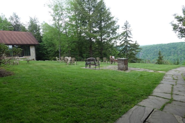 blackwater falls lodge outdoor seating