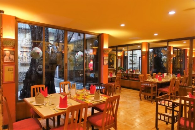 Cabbage and Condoms Bangkok Restaurant Review indoor dining
