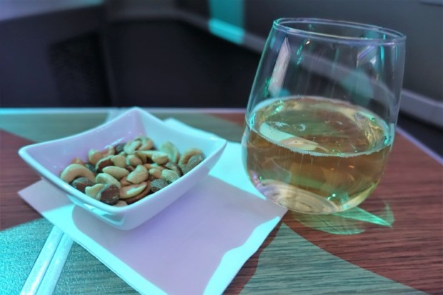 american airlines business class 787 ord-nrt warm nuts