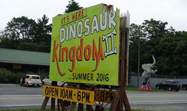Dinosaur Kingdom II Natural Bridge VA opening sign