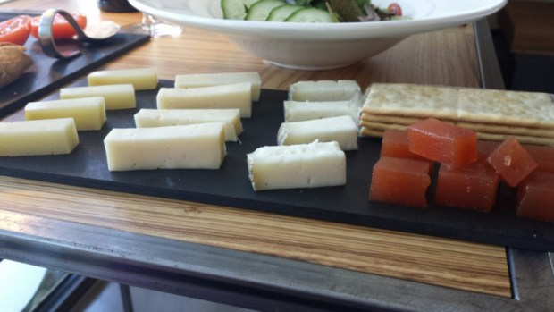 hotel-mastinell-vilafranca-del-penedes-local-cheese