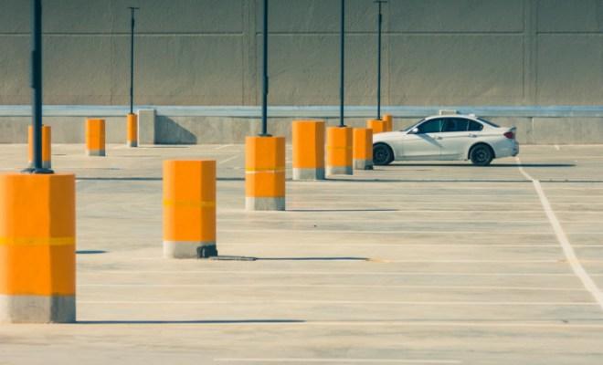 gerrie-van-der-walt-210795 parking lot