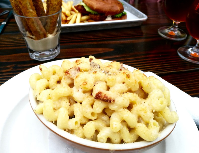 Mac n Cheese Berry Park NYC
