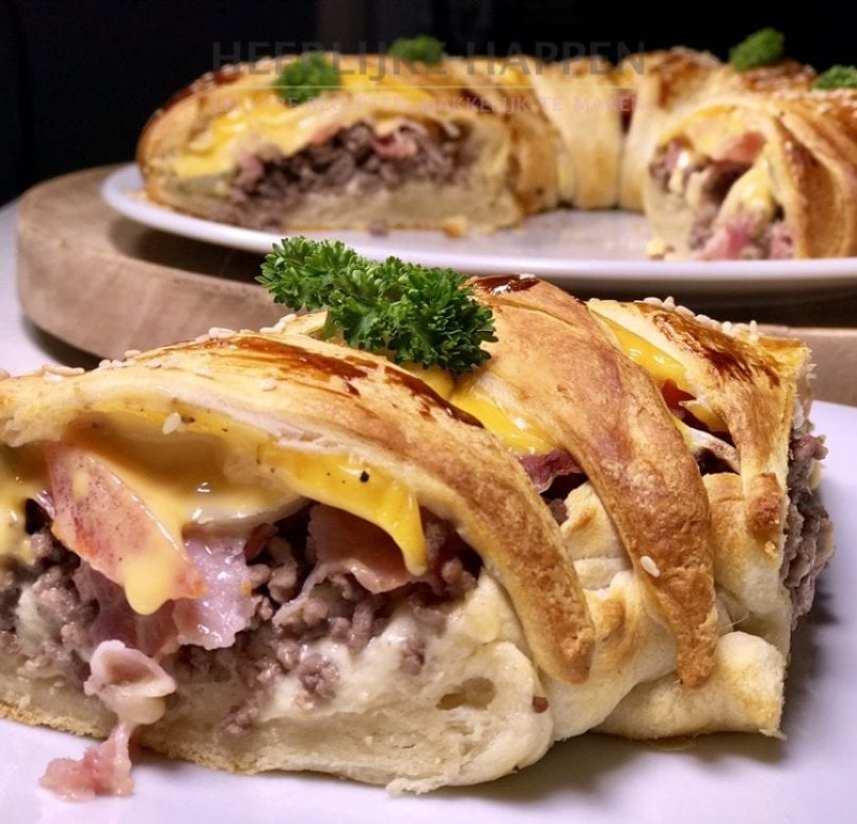 Cheeseburger cresent roll