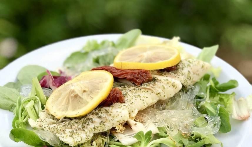 Mediterraans kabeljauwhaasje met salade