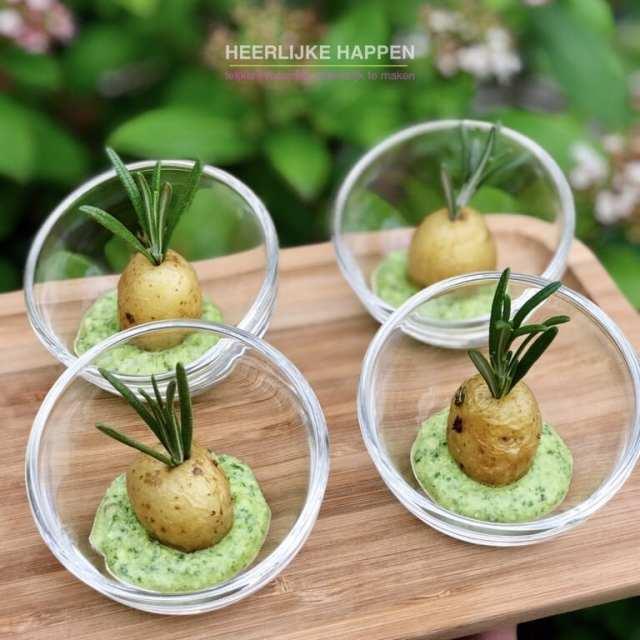 Amuse aardappeltjes met pesto