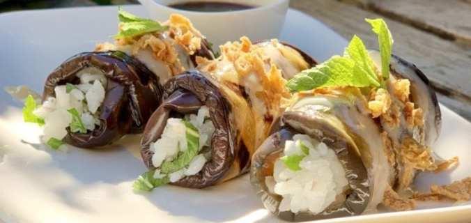 Aubergine sushirolletjes met tahinisaus