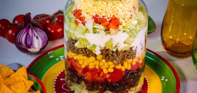 Tien lagen taco salade