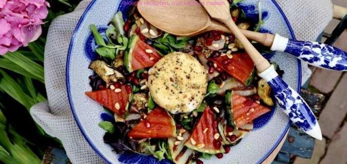 Gebakken burrata en gegrilde fruitsalade