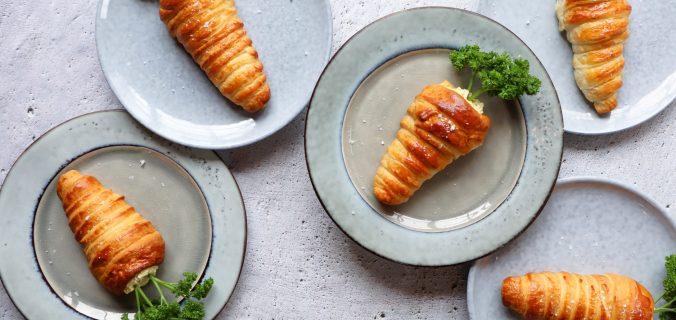 Croissant wortel gevuld met eiermousse