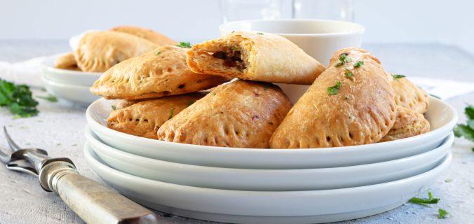 Empanadas gevuld met gekruid gehakt