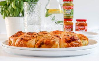 Drie kleuren pesto mozzarella breekbrood