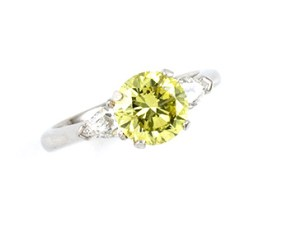 ring-yellowgold-diamond