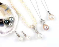 necklace-pearls-jewelry