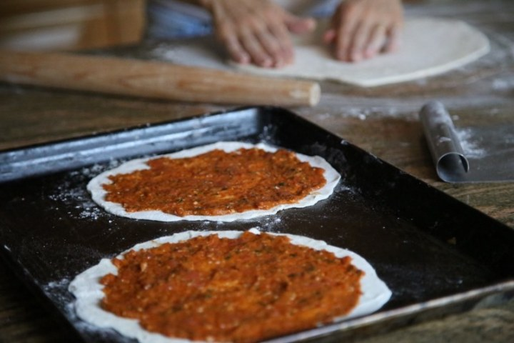 Homemade Lahmajun Meat Pie Recipe - Լահմաջուն