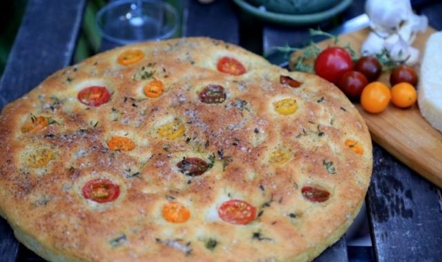 Homemade Focaccia Bread Recipe - Ֆոկաչա