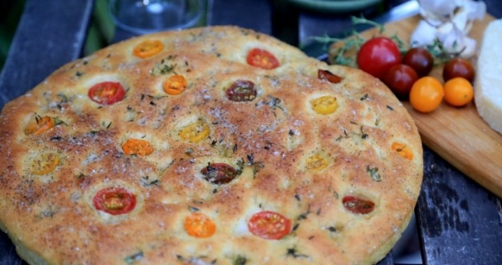 Focaccia Bread with Tomatoes Recipe
