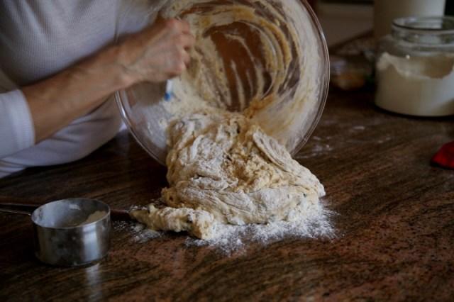 Raisin Buns Recipe - Չամիչով Կարկանդակ