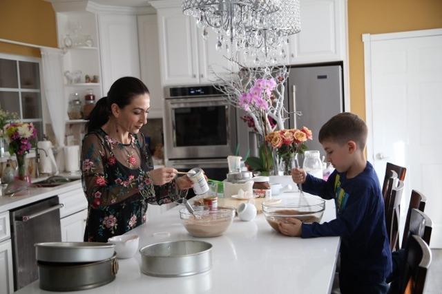 Nutella Cake Recipe - Տորթ Նուտելլա - Heghineh Cooking Show