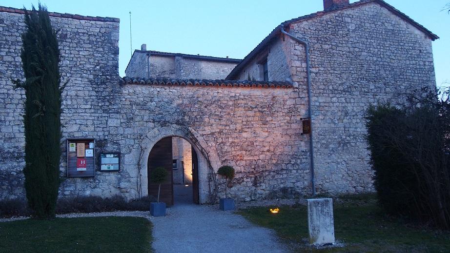entrée du chateau de Salettes